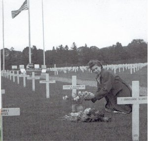 FCB_grave Ardennes 1947 (2)