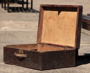 wooden suitcase (2)
