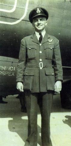 ed-in-uniform003